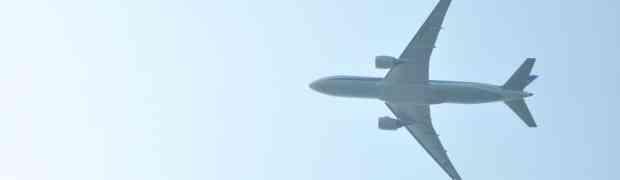 周りを気しちゃう人は良く聞いとけ!飛行機の機内読書に「Kindle Paperwhite」が優れていると思う3つの理由。