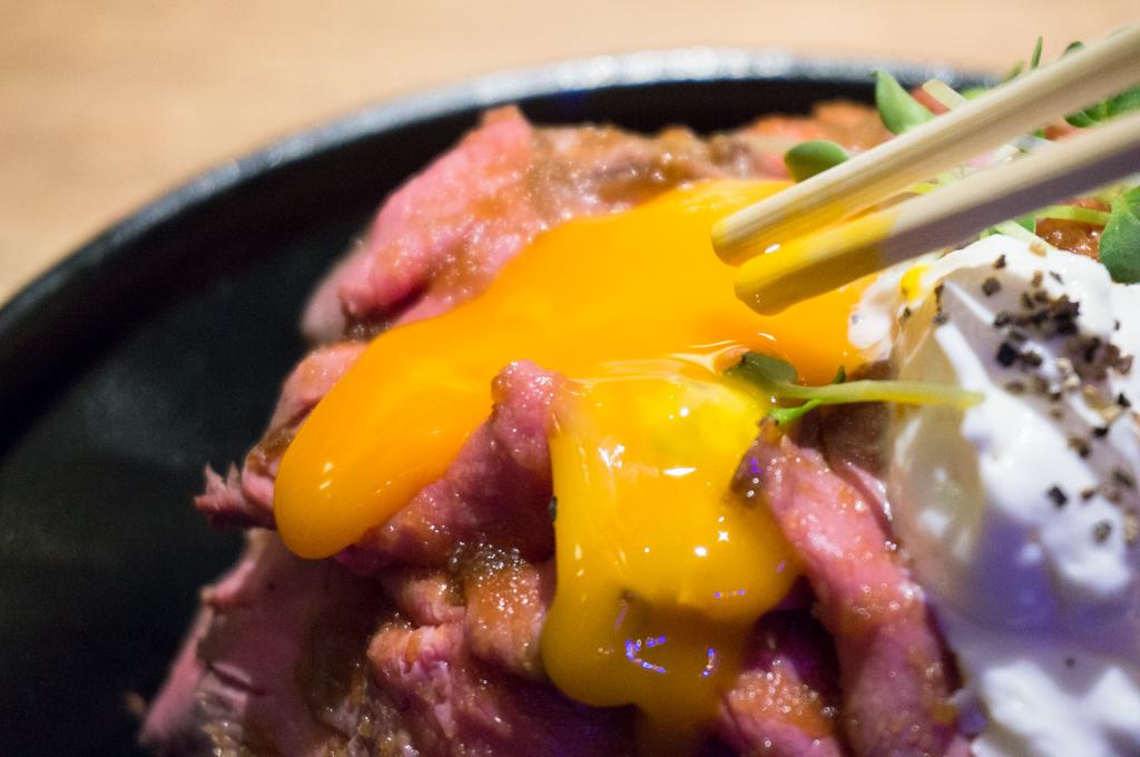 ローストビーフ丼銀座11