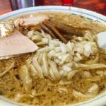 新潟 燕三条背脂ラーメンの元祖「杭州飯店」で極太麺の背脂中華そばを食べてきた!
