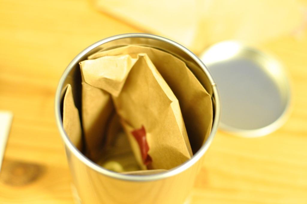 ギフト缶4